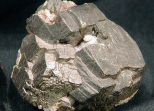 镍矿破碎机